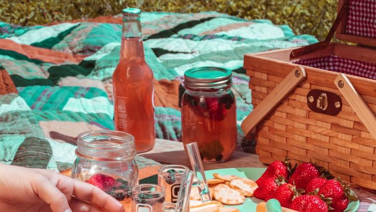 ピクニックシートと雑貨
